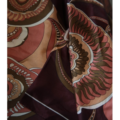 Vintage sjaal met speels patroon