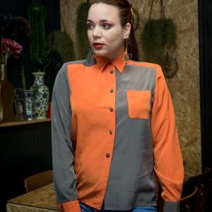 Vintage blouse met speelse kleurverdeling (MT M)