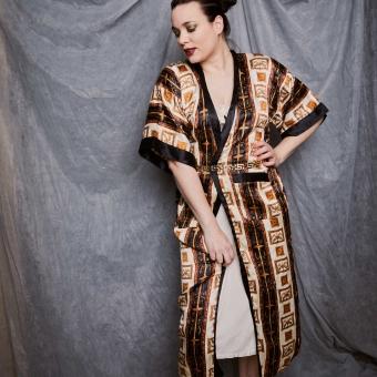 Satijnen vintage ochtendjas met luxe print (MT S/M)