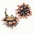 Vintage clip oorbellen roze - zwarte bloem ( 50s/60s)