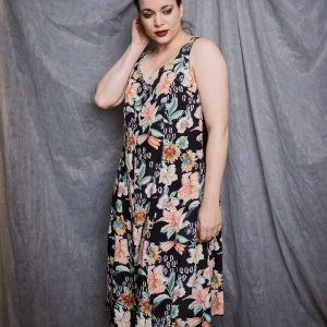 Zomerse vintage doorknoop jurk met bloemenpatroon (MT L)
