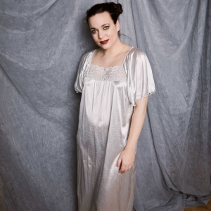 Luxe vintage satijnen nachthemd - jurk (MT L)