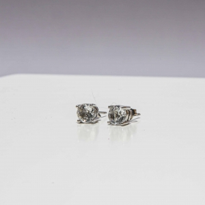 Zilveren oorstekers met glinstersteen