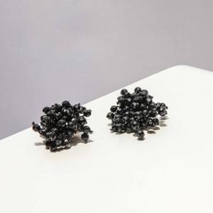 Vintage oorclips met zwarte kleine kraaltjes ( 50s/60s)