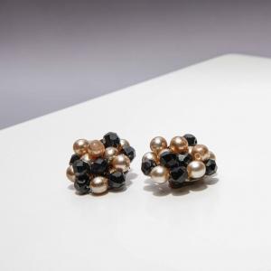 Vintage oorclips met kleine kralen divers
