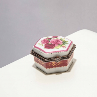 Vintage porseleinen sieraden doosje
