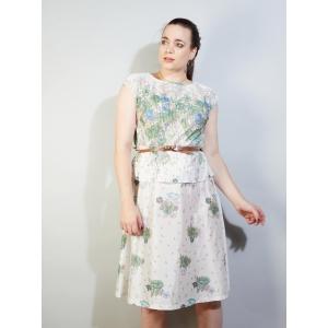 Vintage jurk met romantisch bloemen tafereel (MT M/L)