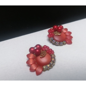 Luxe vintage oorclips met speelse kralen rood